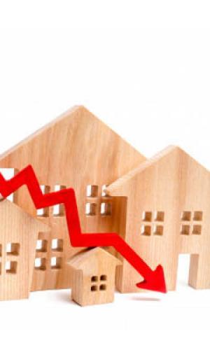 A compravenda de vivendas cae máis do 24% en xullo en Galicia