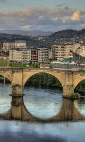 Dez concellos da provincia de Ourense poderán optar ás axudas da Xunta de ata 15.000 euros para a compra de vivendas nos seus centros históricos