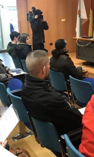 A Xunta entrega as chaves de nove vivendas de alugueiro nas Pontes destinadas a persoas menores de 35 anos e maiores de 60