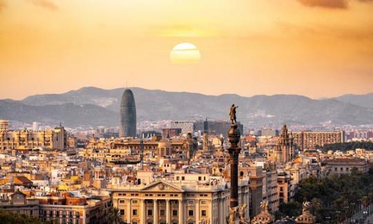 Barcelona adxudica tres novas promocións de covivenda