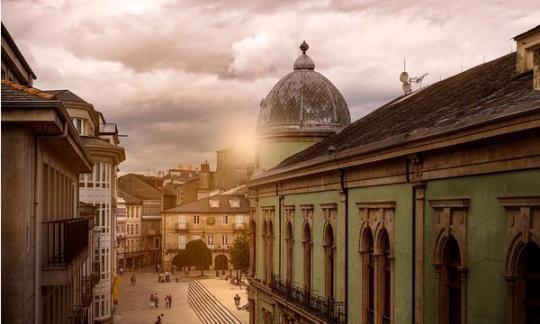 El Ayuntamiento de Castro de Rey comienza la elaboración de un plan de rehabilitación del casco urbano